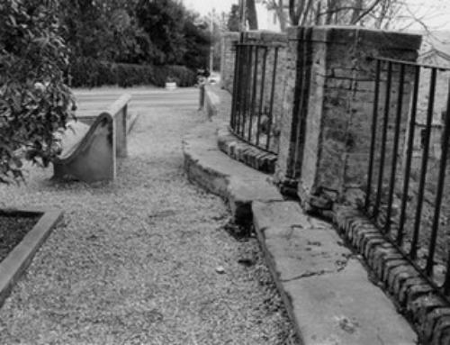 Inginocchiatoio: monumento storico e religioso